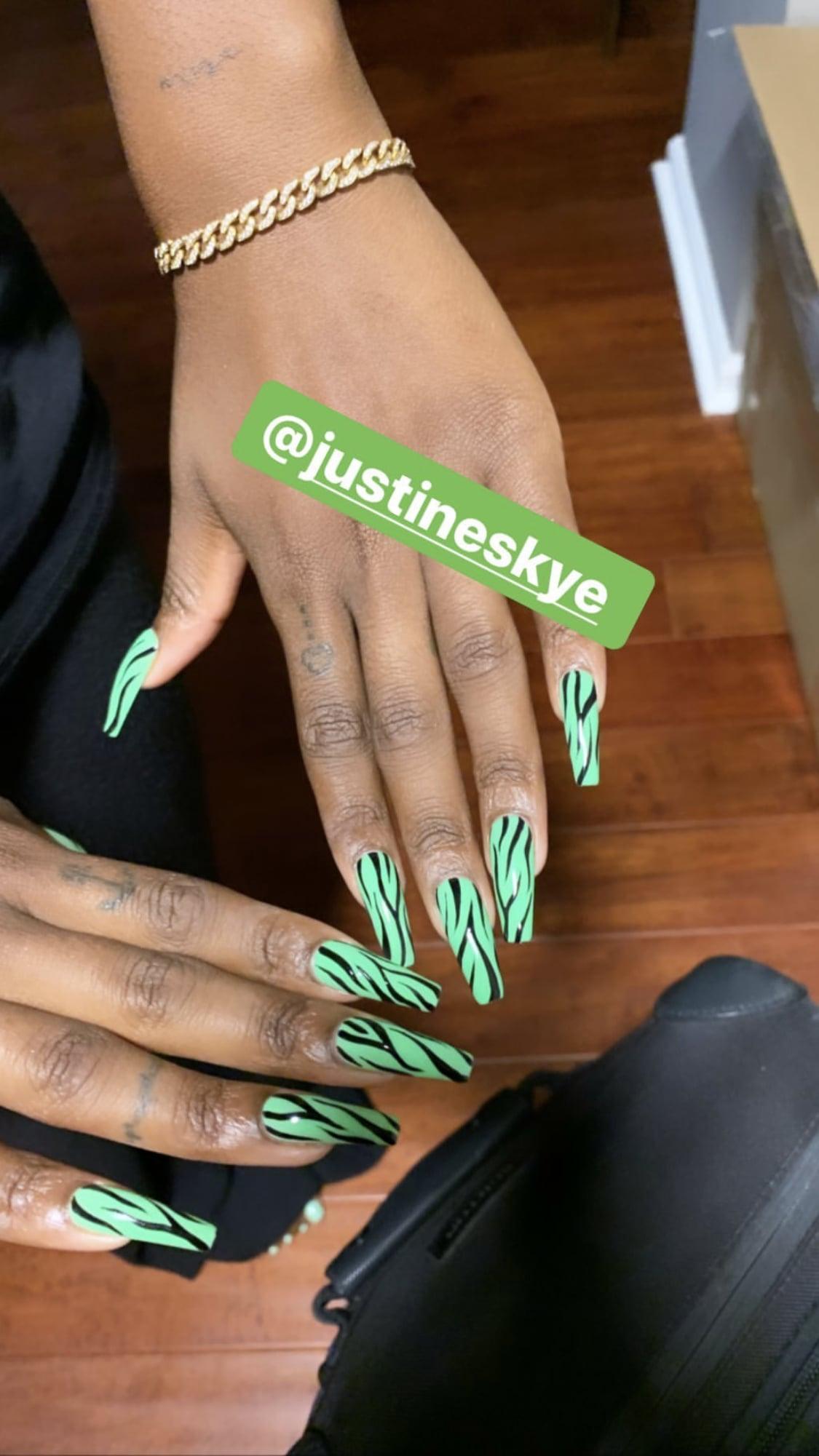 Justine Skye S Zebra Print Nail Art Popsugar Beauty