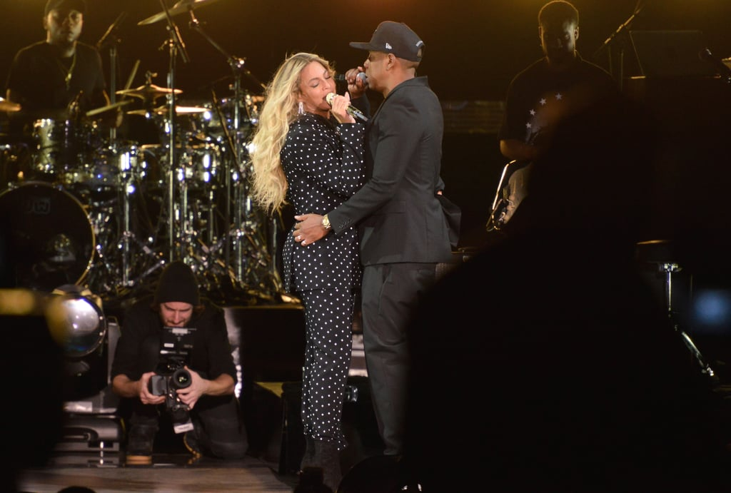 beyonce knowles and jay z at hillary clinton concert 2016 popsugar celebrity photo 1. Black Bedroom Furniture Sets. Home Design Ideas