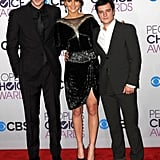 Jennifer Lawrence caught up with her Hunger Games costars Liam Hemsworth and Josh Hutcherson on the People's Choice Awards red carpet.