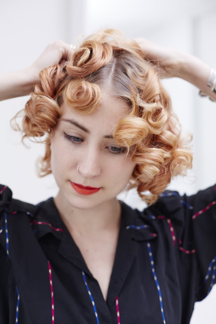 Use Your Fingers To Smooth Out The Curls How To Do Pin