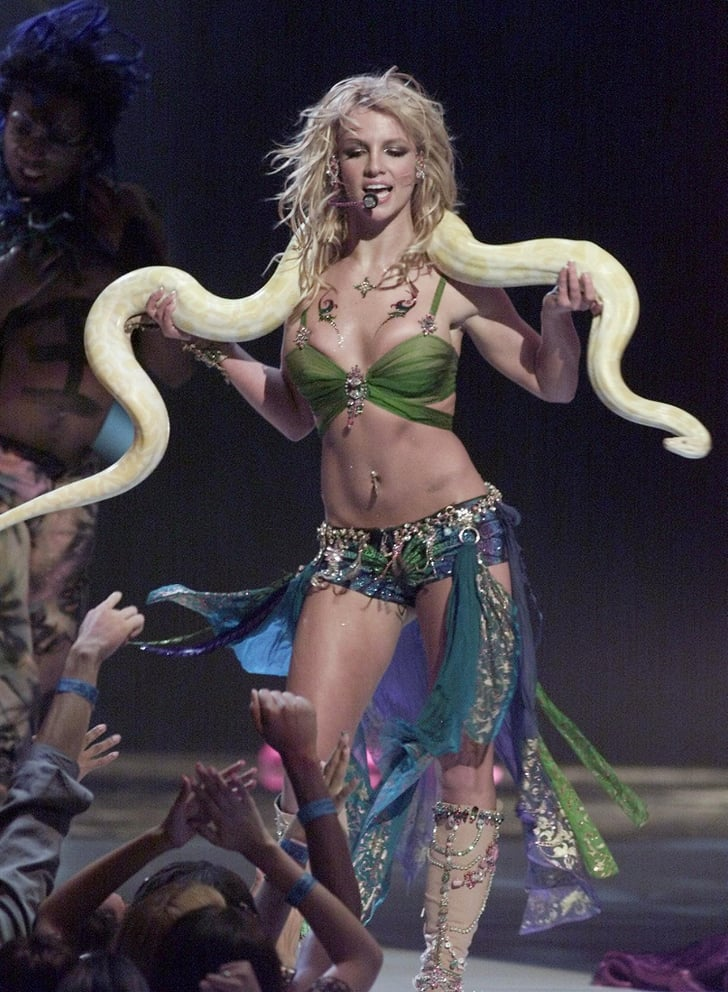 britney-spears-2001-vmas-outfit-with-sna