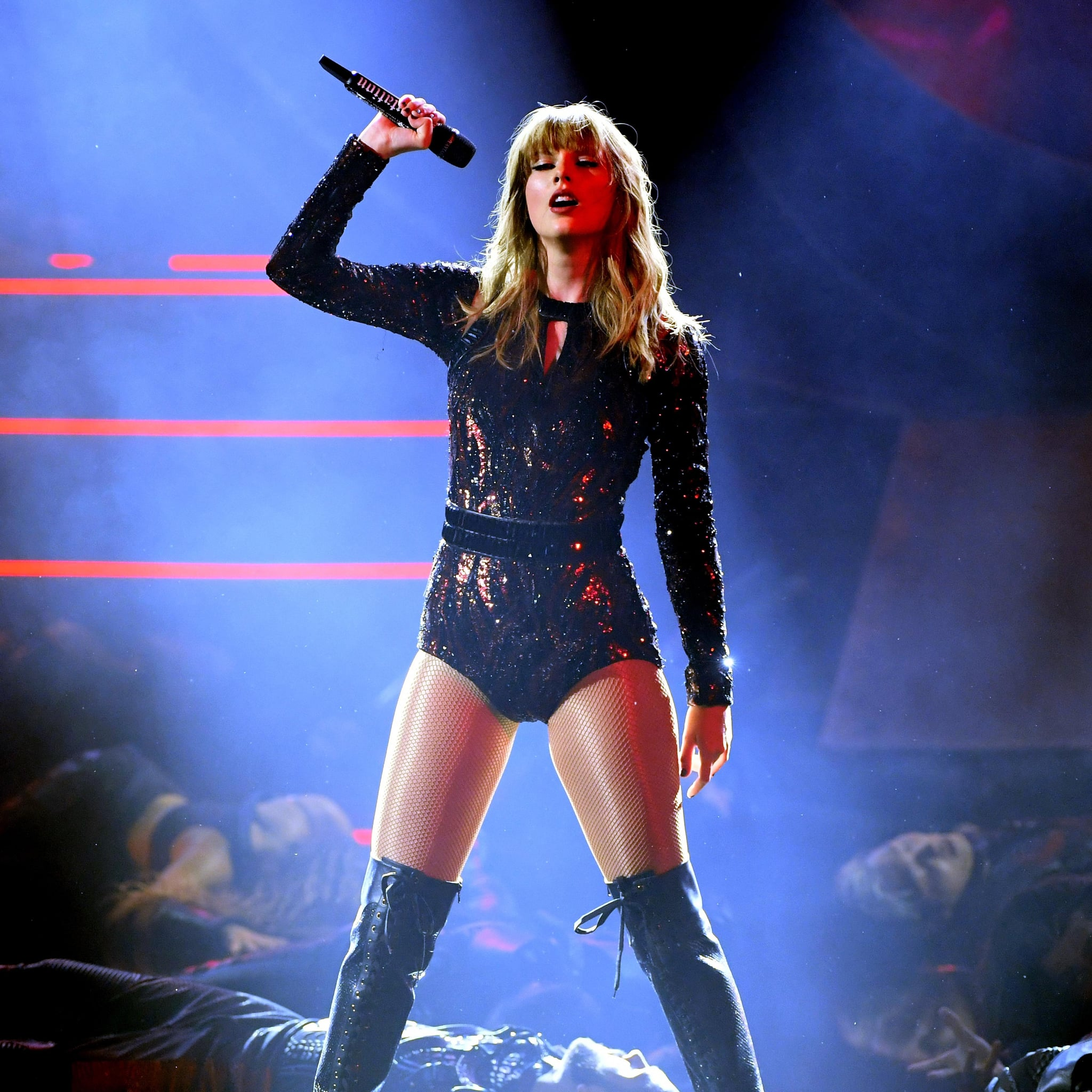 Reactions To Taylor Swift 2018 Amas Performance Popsugar Entertainment