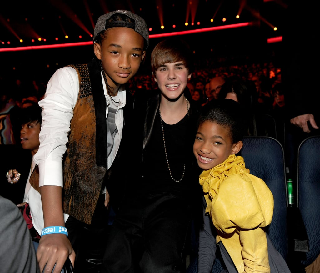 The kids are alright. Jaden and Willow Pinkett Smith hand with Justin Beiber.