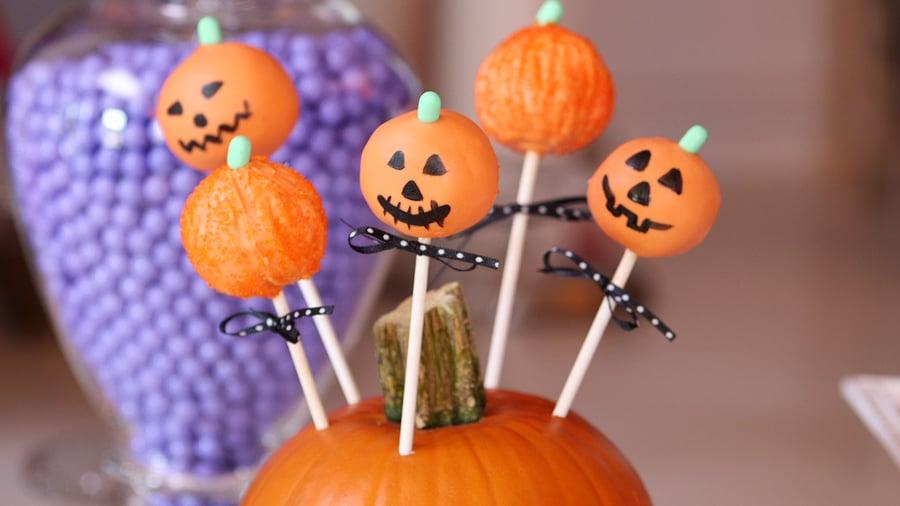 Jack-o'-Lantern Cake Pops