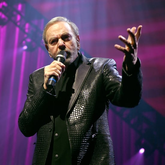 "Neil Diamond Sings ""Sweet Caroline"" Hand Washing Cover"
