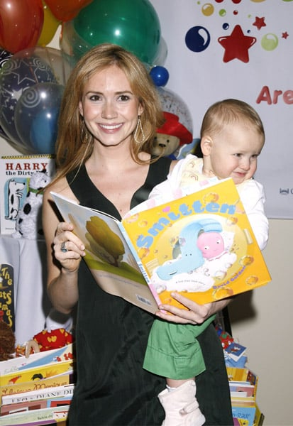 Ashley Jones and niece Finley read Smitten.