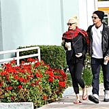 Gwen Stefani and Gavin Rossdale stuck close together during a Starbucks stop.