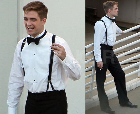 Pictures of Robert Pattinson Smoking on Water For Elephants Set