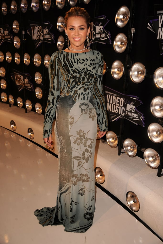 Miley Cyrus 2011 VMA Red Carpet Pictures
