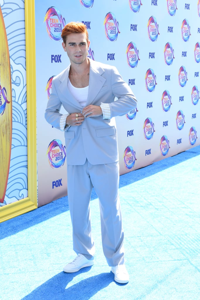 KJ Apa at the 2019 Teen Choice Awards