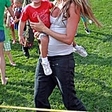 Pregnant Gisele Bundchen carried her son.