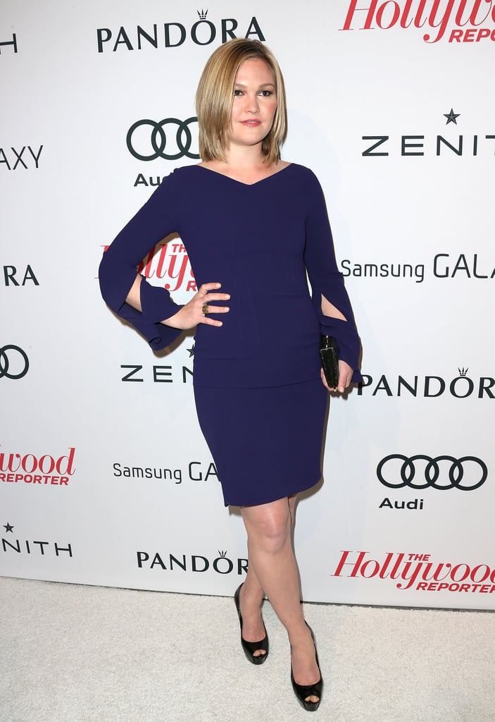 Julia Stiles wore a long-sleeved blue dress.