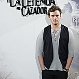 Sam Claflin had his hands in his pockets at the Snow White and the Huntsman photocall in Madrid.
