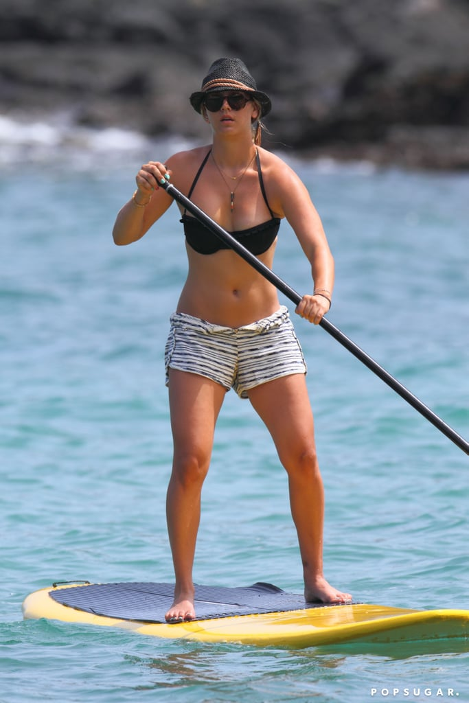 Celebrity stand up paddle