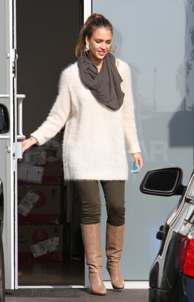 Jessica Alba shopping in LA.