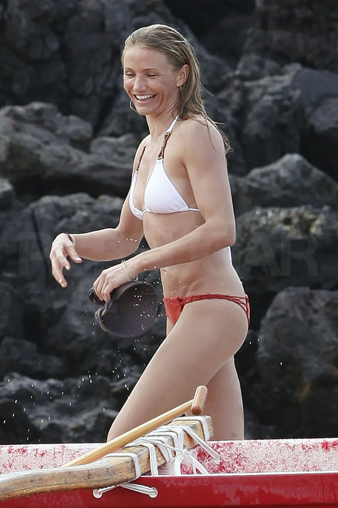 Cameron Diaz was in a mismatched bikini yesterday to go canoeing with Alex Rodriguez in Hawaii. She and Alex are off on their latest tropical vacation together, this time with pals like Leonardo DiCaprio, Bar Refaeli, Naomi Campbell, and Vladimir Doronin. Cameron and Alex were together last month to soak up the sun and do some paddle boarding in Cabo. They made a brief trek north to celebrate New Year's in Las Vegas, though, to enjoy a date night and ring in 2011 with Jay-Z and Coldplay.