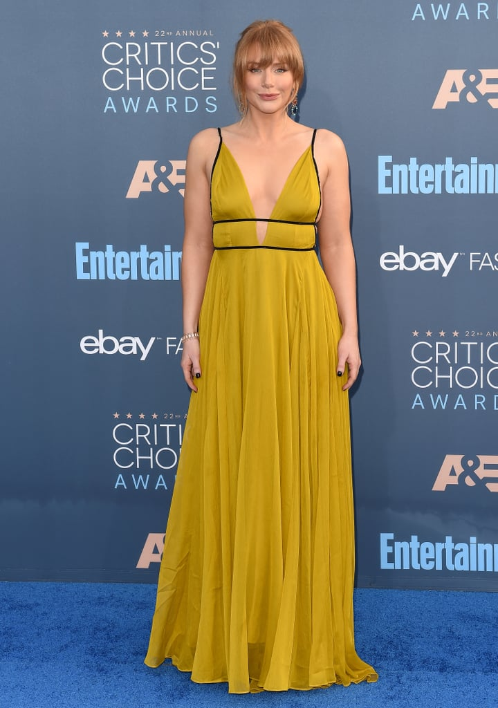 She Picked a Marigold Gown From Topshop For the 2016 Critics' Choice Awards