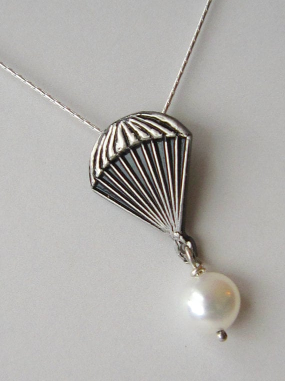 Parachute Pearl Necklace ($30)