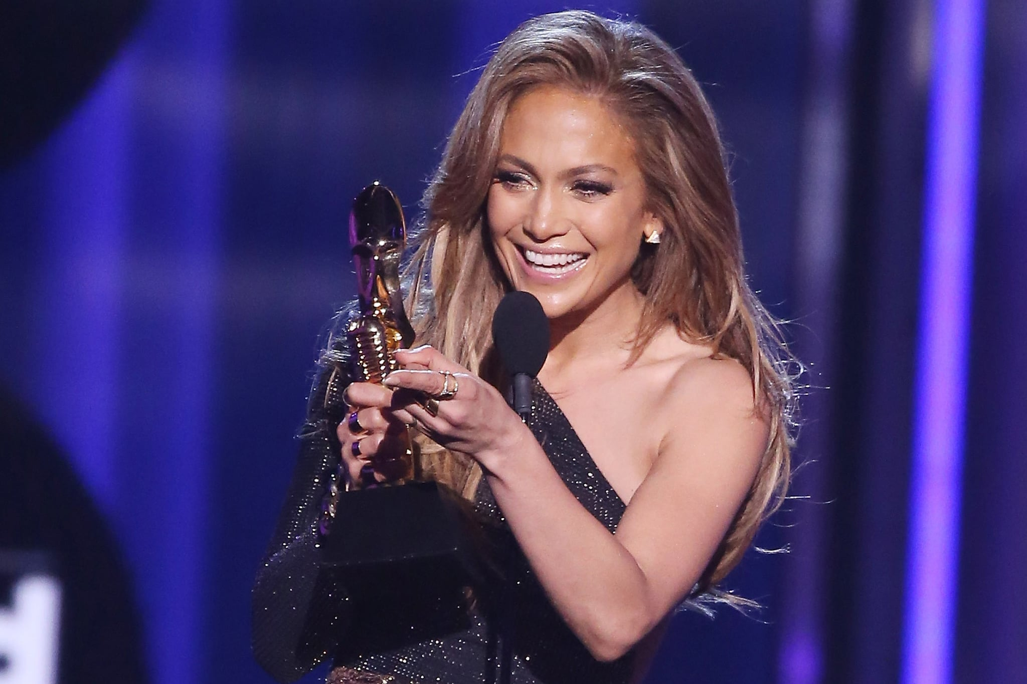 LAS VEGAS, NV - MAY 18:  Jennifer Lopez accepts the Icon Award onstage during the 2014 Billboard Music Awards held at MGM Grand Garden Arena on May 18, 2014 in Las Vegas, Nevada.  (Photo by Michael Tran/FilmMagic)