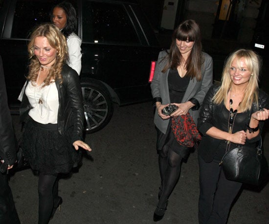 Photo Slide Geri Halliwell, Melanie Brown, Melanie Chisholm, And Emma Bunton Arriving at a Hotel in London