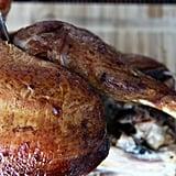 قطّعي اللحم الموجود حول الفخذ إلى شرحات