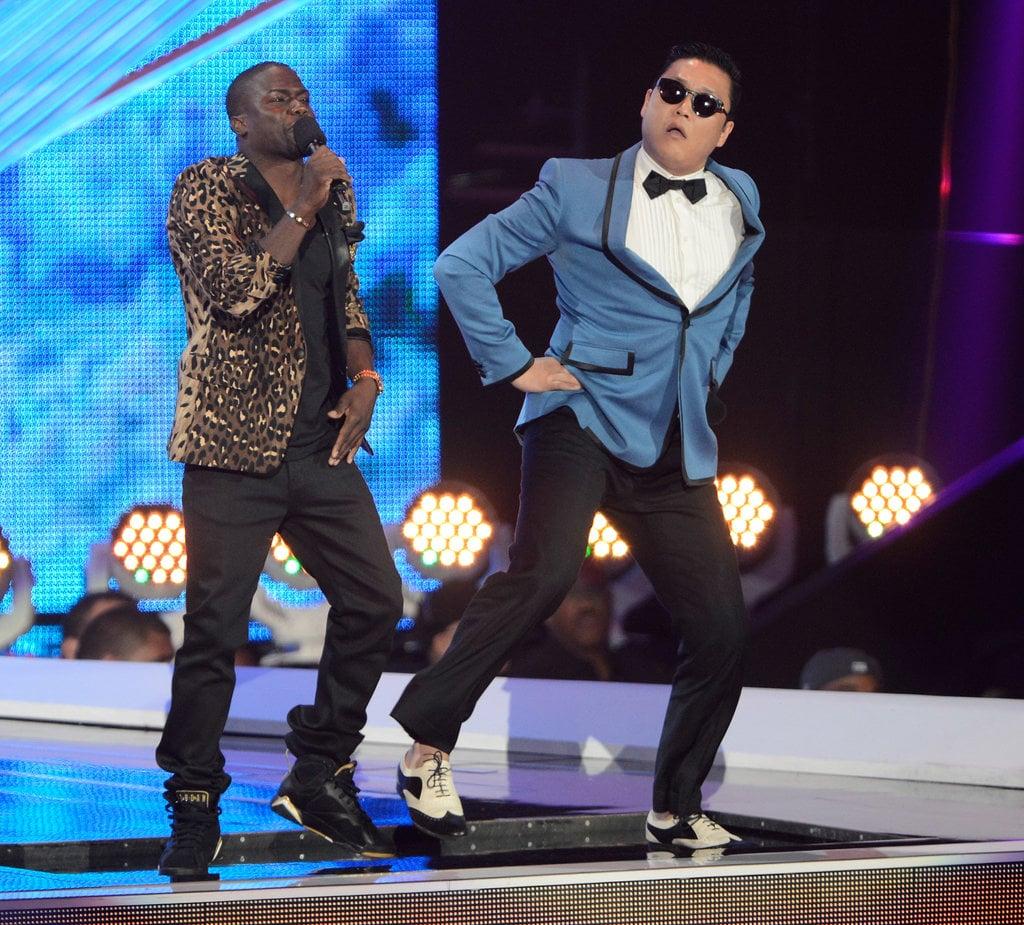 "2012 host Kevin Hart got into ""Gangnam Style"" with Psy."