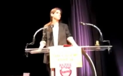 Watch Sandra Bullock Hilariously Accept Her Worst Actress Razzie Award Plus a Full List of Winners from the Ceremony 2010-03-07 12:38:51