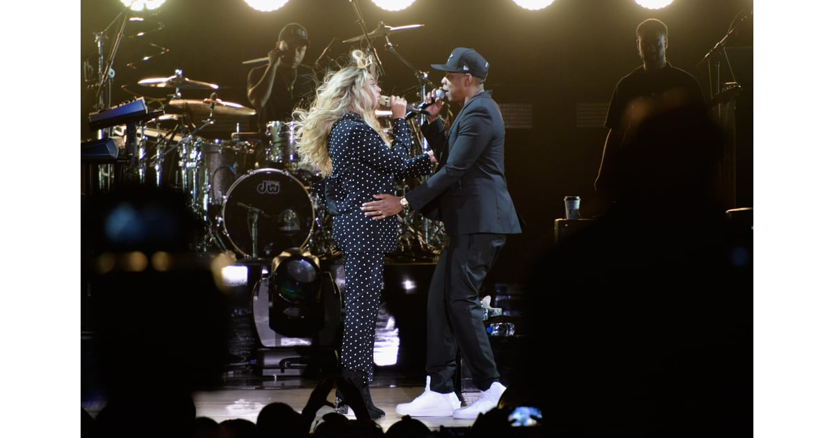 beyonce knowles and jay z at hillary clinton concert 2016 popsugar celebrity photo 11. Black Bedroom Furniture Sets. Home Design Ideas