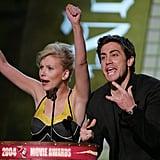 Scarlett Johansson and Jake Gyllenhaal had fun presenting in 2004 together.