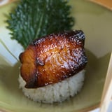 طبق سمك القد الأسود