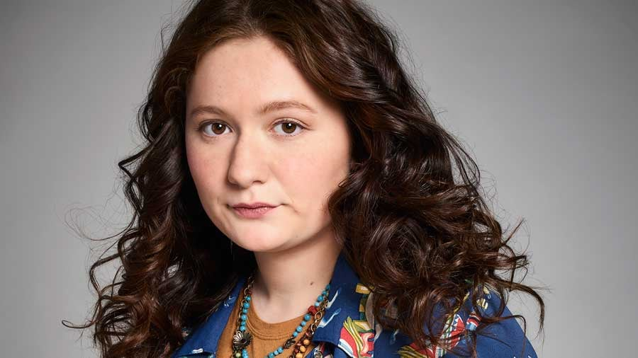 Emma Kenney as Harris Conner-Healy | How Old Is the Cast ... Emma Kenney 2018 Age