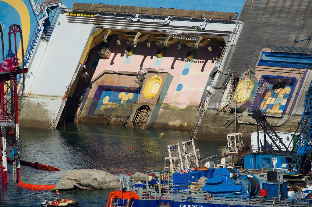 A close-up showed the damage of the Costa Concordia.