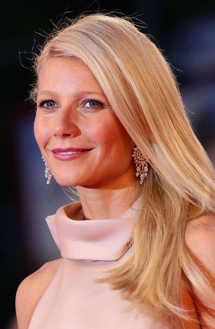 Gwyneth Paltrow Gets A Makeup Tutorial With Emma Lovell On