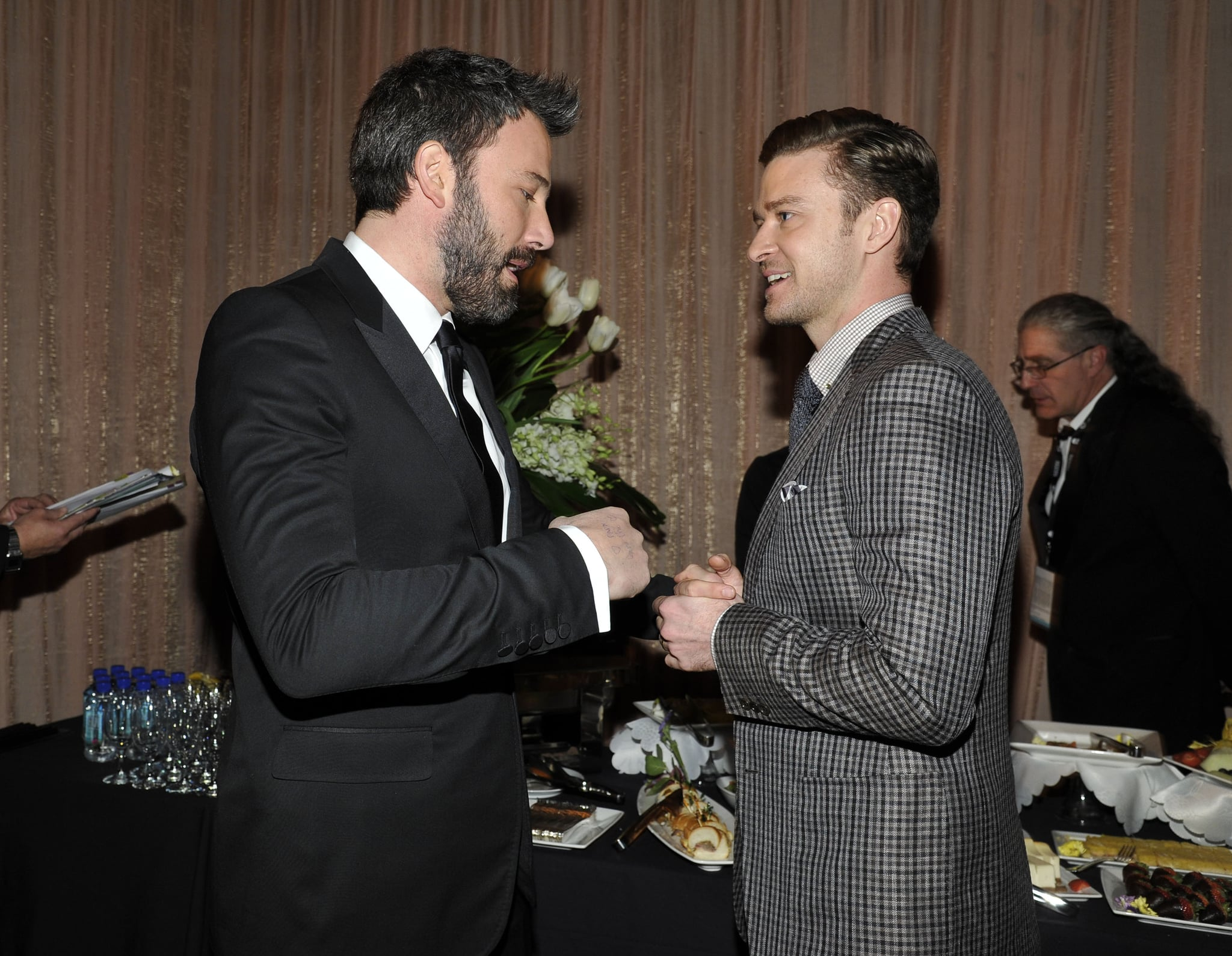 Ben Affleck stopped to chat backstage at the SAG Awards with Justin Timberlake.