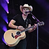 Sexy Dustin Lynch Pictures