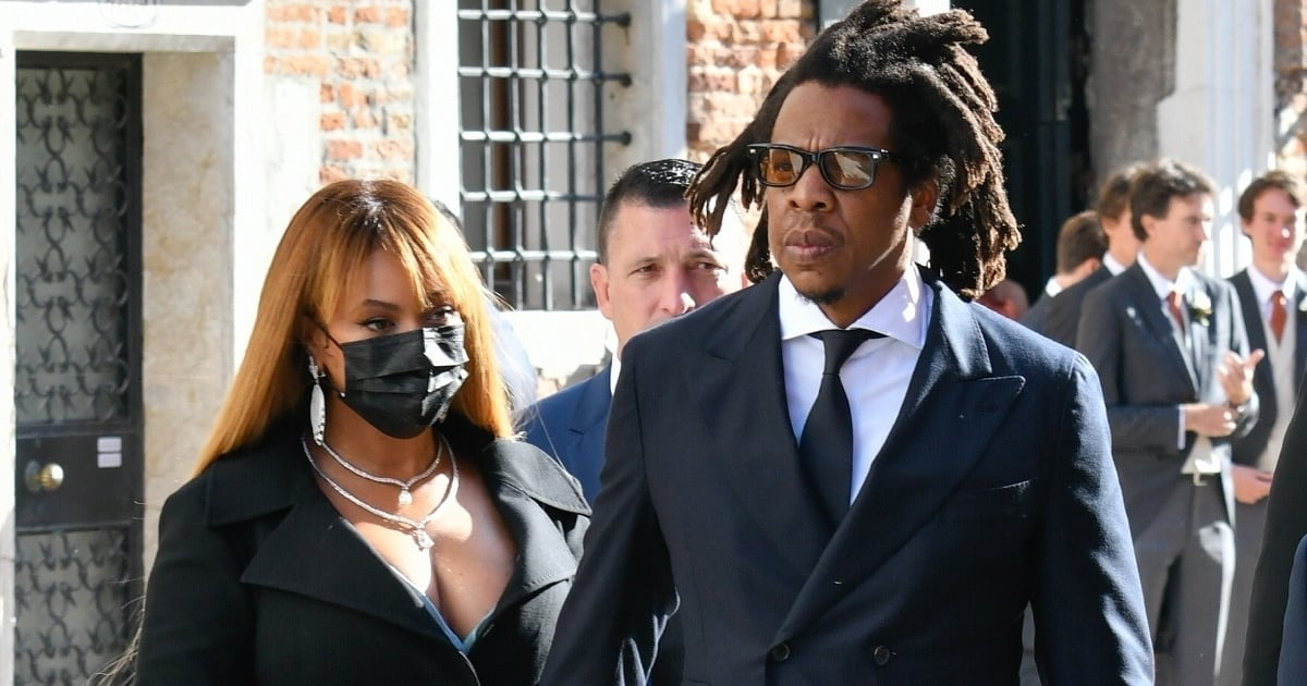 See That Coat Dress? Beyoncé Demonstrates Exactly How to Nail a Fall Wedding Guest Look.jpg