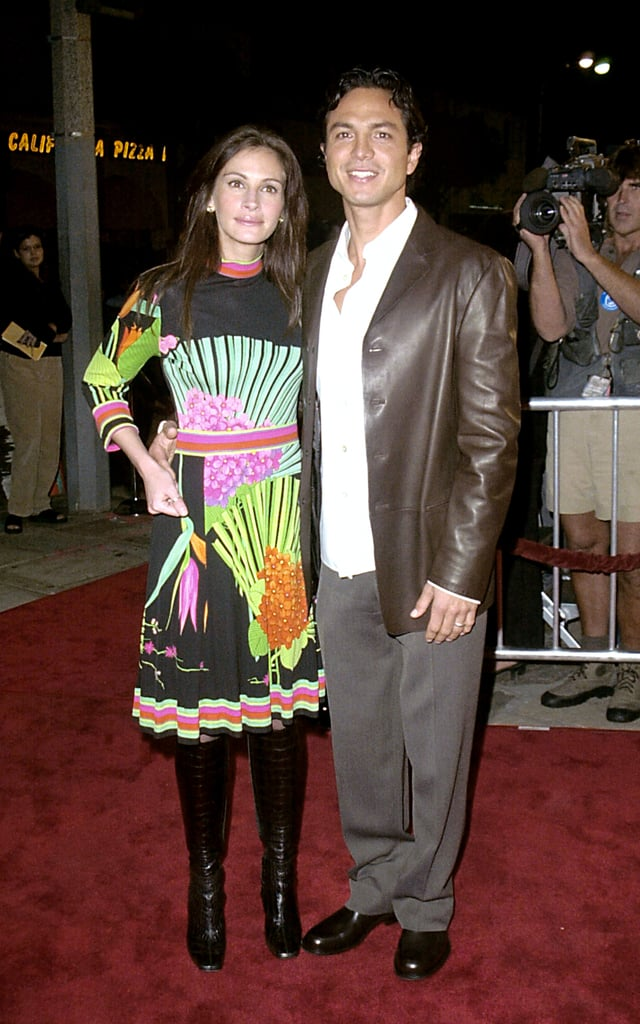 Julia rocked a psychedelic, '60s-inspired dress with knee-high boots to the Red Planet Hollywood premiere in 2000.