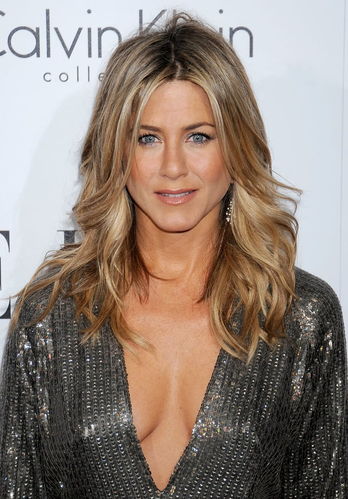 Of all of Jennifer Aniston\'s iconic hairstyles, this layered wavy ...