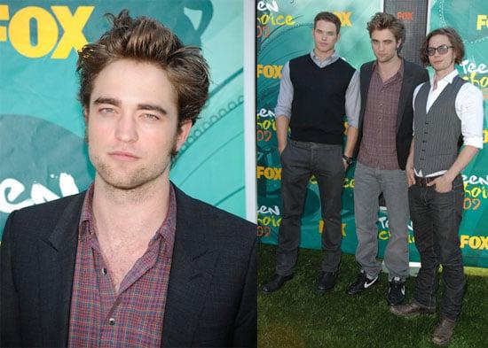 Photos of Pattinson at Teen Choice Awards