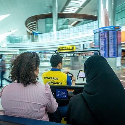 """مطار دبي يطلق خدمة """"تكسي دي إكس بي"""" المجانية 2019"""