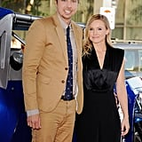 Kristen Bell and Dax Shepard posed together on the red carpet.