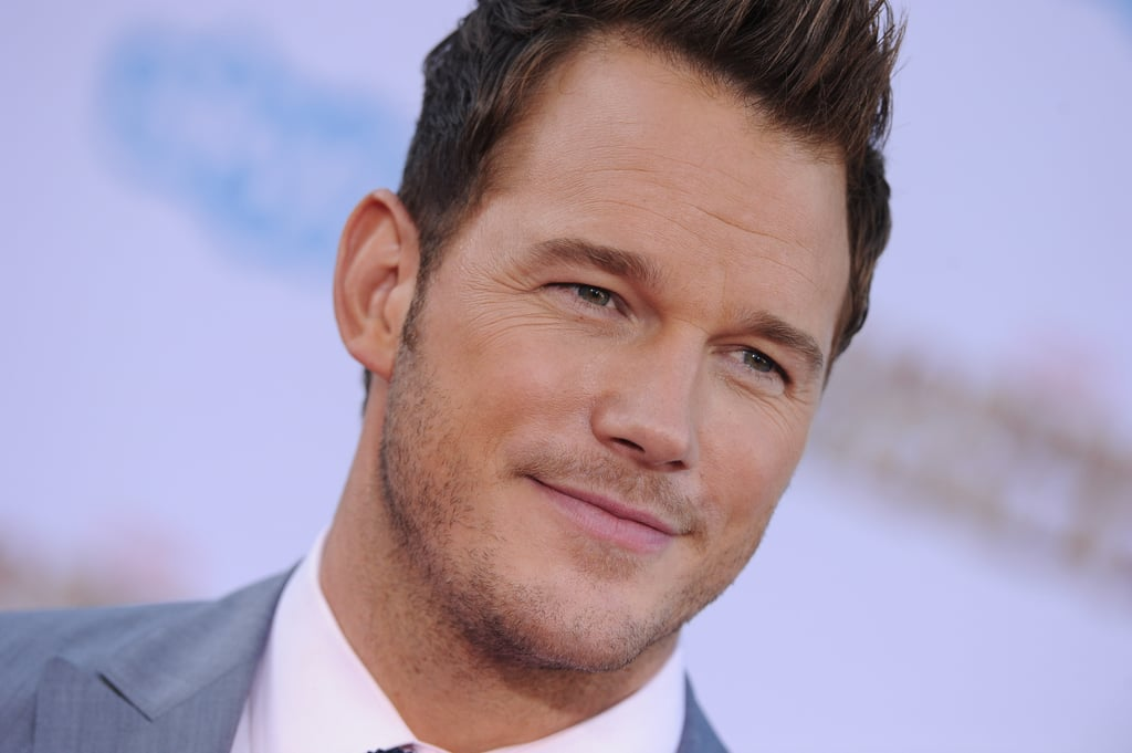Chris Pratt Smirks | Pictures