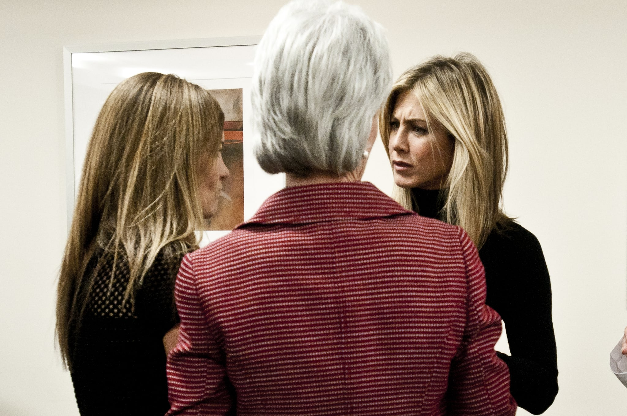 Jennifer Aniston lent her support to fighting breast cancer.