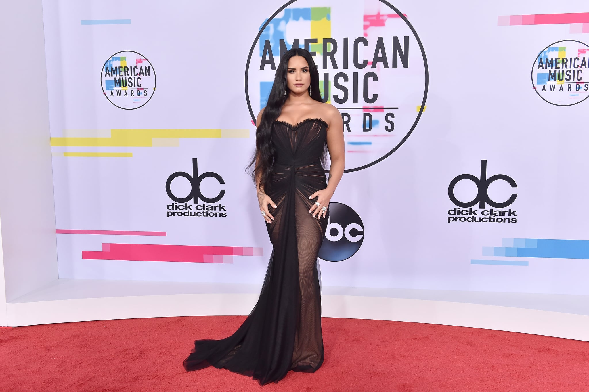 LOS ANGELES, CA - NOVEMBER 19:  Singer/songwriter Demi Lovato arrives at the 2017 American Music Awards at Microsoft Theater on November 19, 2017 in Los Angeles, California.  (Photo by Axelle/Bauer-Griffin/FilmMagic)