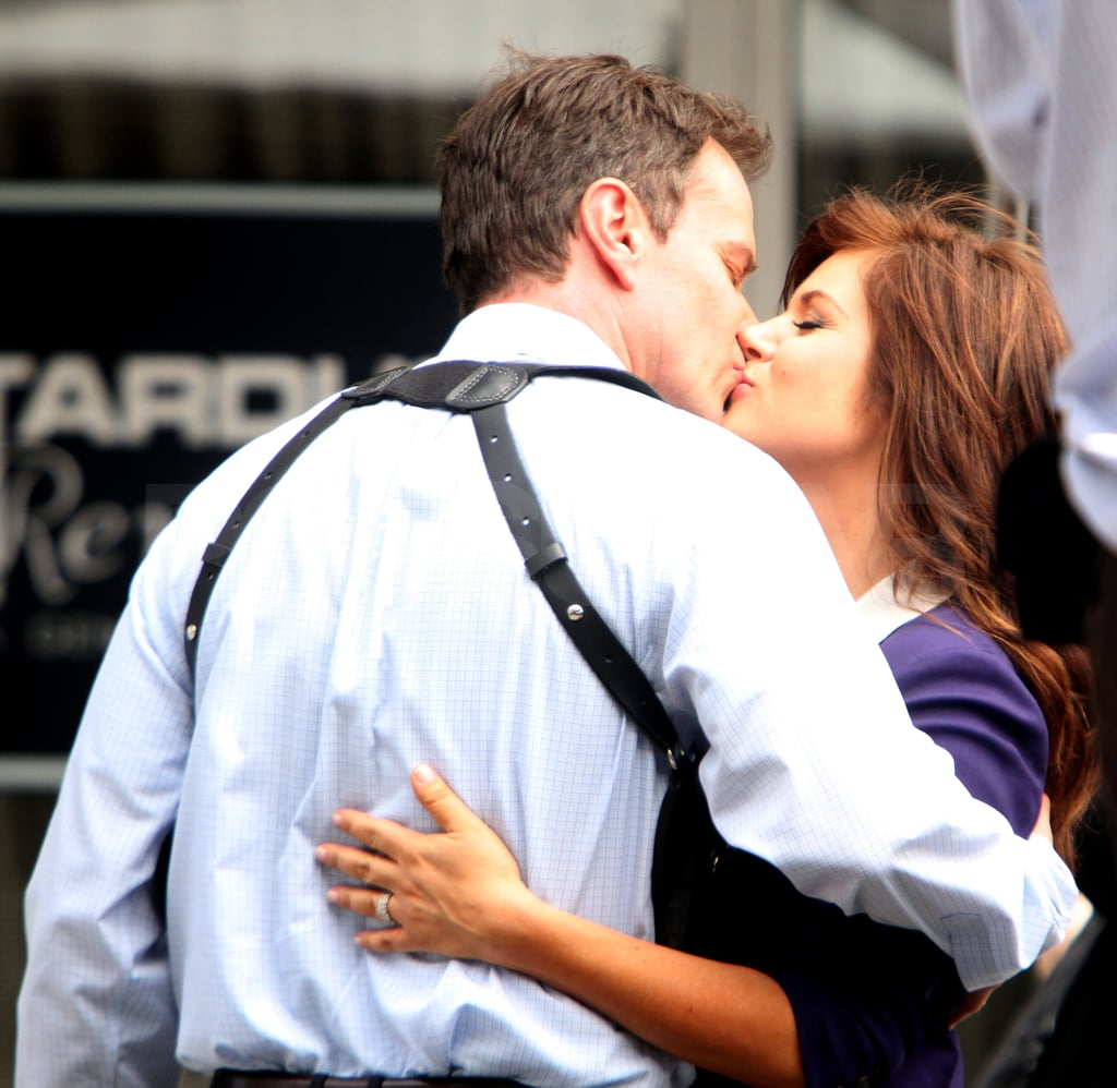 Tiffani Thiessen and Tim DeKay shared a kiss.