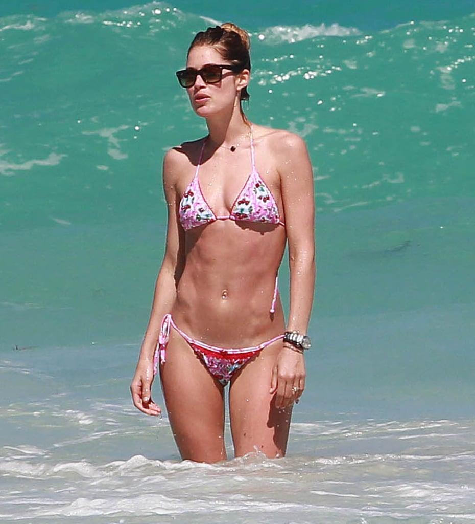 Doutzen Kroes wore a pink bikini.