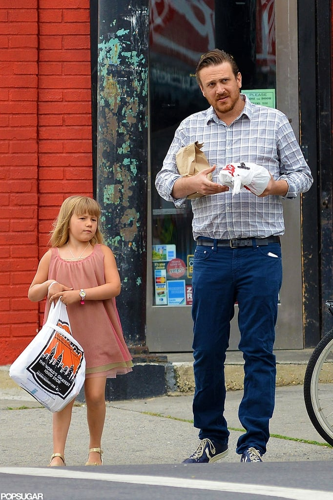 Jason Segel Hangs Out in Brooklyn With Matilda Ledger ...