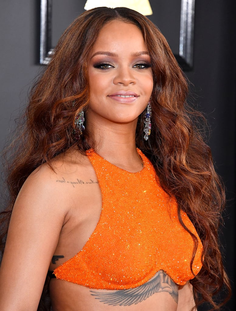 Wavy Rihanna These Soft Layers And Large Loose Curls Are The How
