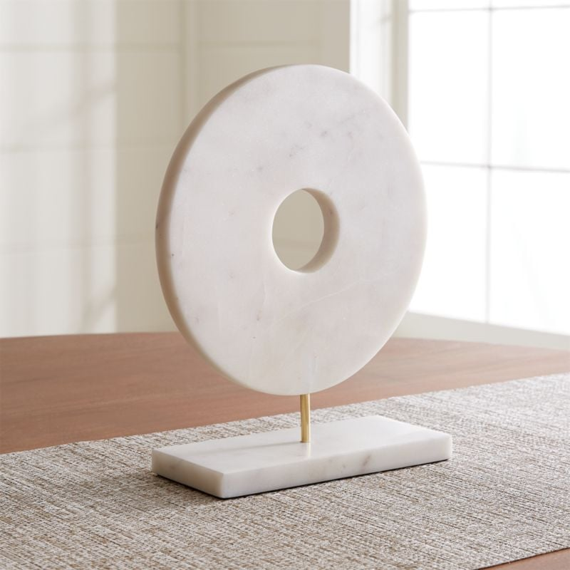Bonnie: White Marble Circle on Stand