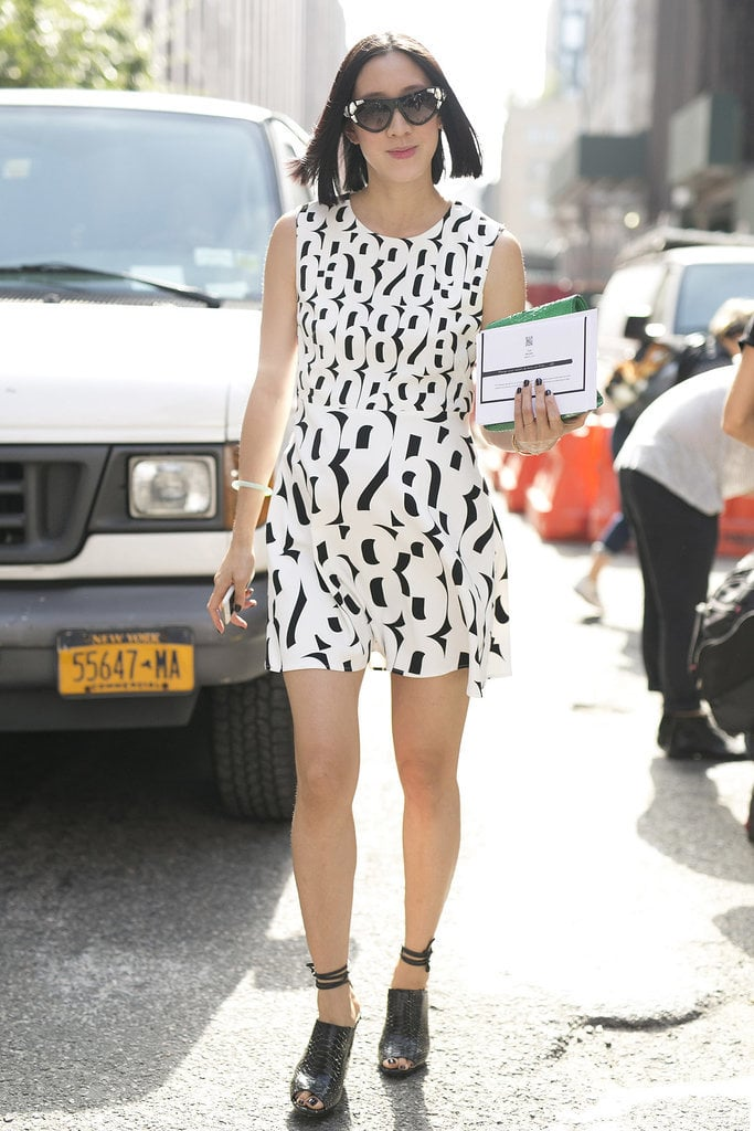 Eva Chen jumped on the black and white trend with her simple Summer shift.